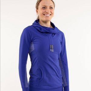 Run course pullover pigment blue, 8, VGUC